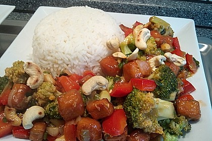 Brokkoli, Tofu und Cashewnüsse in süß - saurer Sauce 4