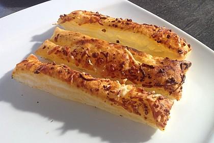 Käsestangen aus Blätterteig (Bild)
