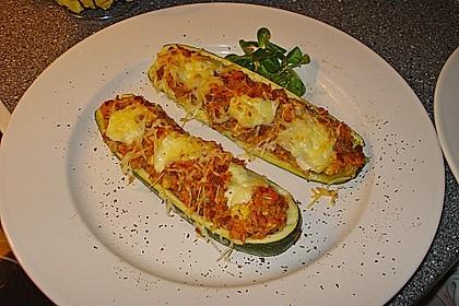 Zucchini mit Hackfleisch-Reisfüllung