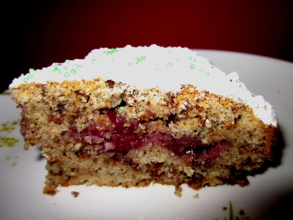 Kleiner Kirsch Schoko Nuss Kuchen Von Mega3st Chefkoch De
