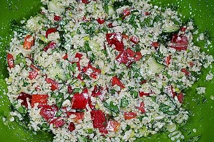 Bulgursalat mit Paprika und Petersilie (Bild)