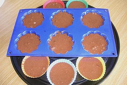 Schokoladentörtchen mit Kirschen 24