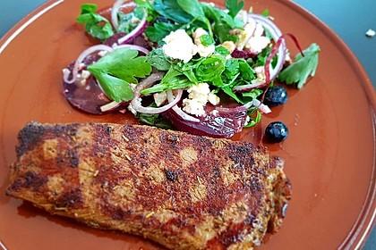 Blattsalat mit Roter Bete und Schafskäse (Bild)