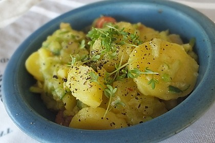 Kartoffelsalat mit Dörrfleisch und Gurke 1