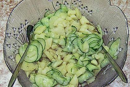 Kartoffelsalat mit Dörrfleisch und Gurke 13