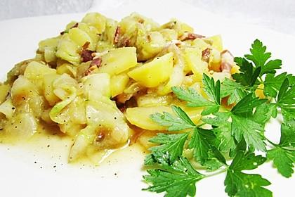 Kartoffelsalat mit Dörrfleisch und Gurke 6