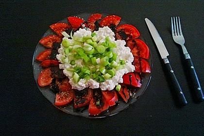 Tomatencarpaccio mit Hüttenkäse 5
