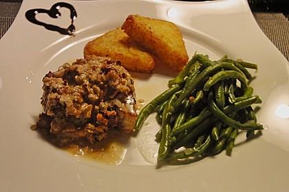 Filet vom Huhn mit Walnuss-Knoblauch-Kruste 26