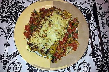 Mit Couscous gefüllte und überbackene Zucchini 26