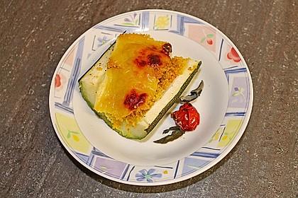 Mit Couscous gefüllte und überbackene Zucchini 16