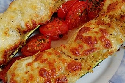 Mit Couscous gefüllte und überbackene Zucchini 9