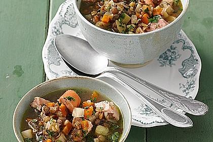 Herzhafter Linseneintopf mit Gemüse und Würstchen 4