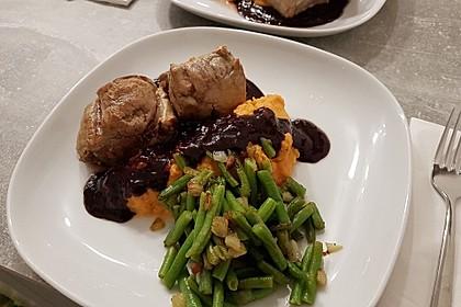 Schweinefilet auf Süßkartoffelpüree mit Lebkuchenjus und Rosenkohl 43
