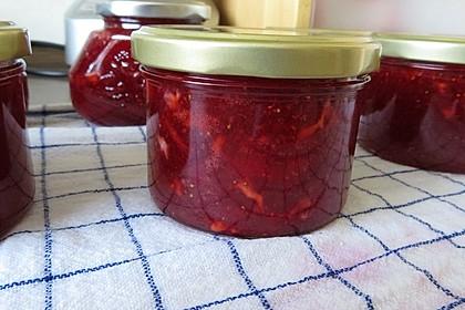 Erdbeermarmelade mit weißer Schokolade 1
