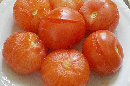 Nudeln mit Sauce aus frischen Tomaten, Knoblauch und Basilikum 5