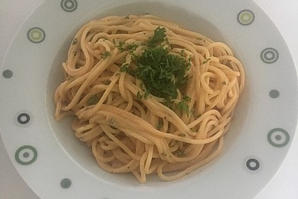 Spaghetti bzw. Nudeln mit roter Gorgonzolasoße