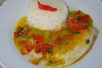 Fisch auf gelber Paprikasoße 1