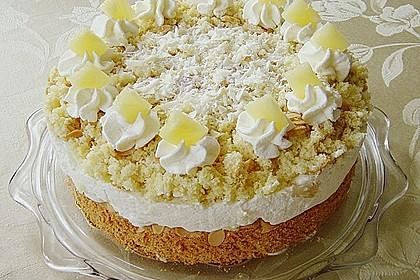 Ananas - Sahnetorte mit weißer Schokolade