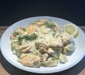 Nudeln mit Lachs - Sahne - Sauce (Bild)