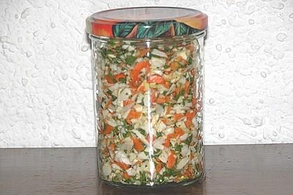 Eingesalzenes Gemüse für Gemüsebrühe 15