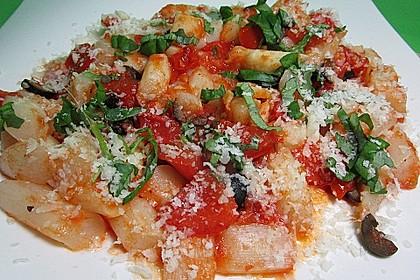 Gebratener Spargel mit Tomaten und Oliven