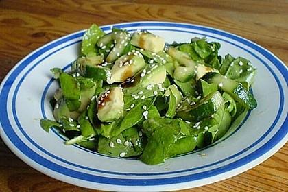 Spinat - Avocado - Gurken - Salat mit Wasabi - Dressing 3