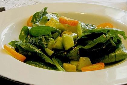 Spinat - Avocado - Gurken - Salat mit Wasabi - Dressing 2
