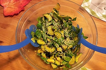 Spinat - Avocado - Gurken - Salat mit Wasabi - Dressing 4