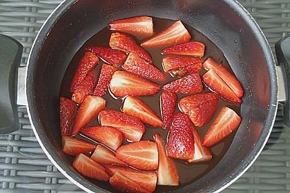 Feldsalat mit marinierten Erdbeeren 16