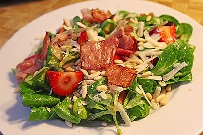 Feldsalat mit marinierten Erdbeeren 1