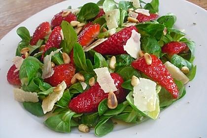 Feldsalat mit marinierten Erdbeeren 6