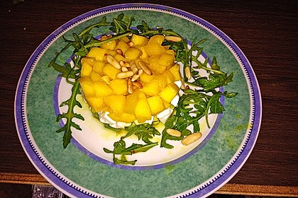 Avocado-Mozzarella-Salat mit Mango 69