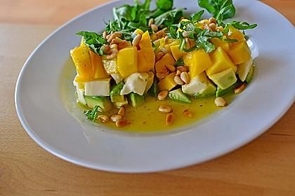 Avocado-Mozzarella-Salat mit Mango 25