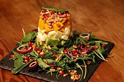 Avocado-Mozzarella-Salat mit Mango
