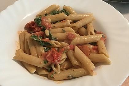 Pasta mit Tomaten und Rucola 11