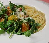 Pasta mit Tomaten und Rucola (Bild)