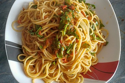 Pasta mit Tomaten und Rucola 2