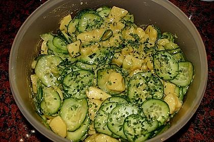 Uschis Kartoffel-Gurkensalat 23