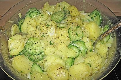 Uschis Kartoffel-Gurkensalat 11
