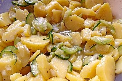 Uschis Kartoffel-Gurkensalat