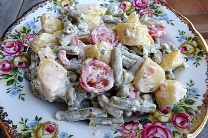 Bohnensalat mit Kartoffeln und Tomaten