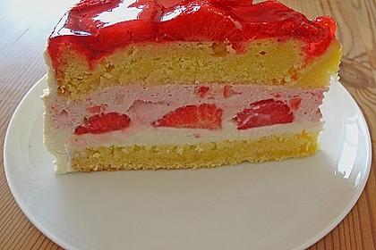 Erdbeer - Eierlikör - Torte 6