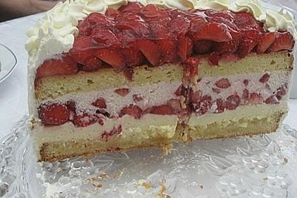 Erdbeer - Eierlikör - Torte 9