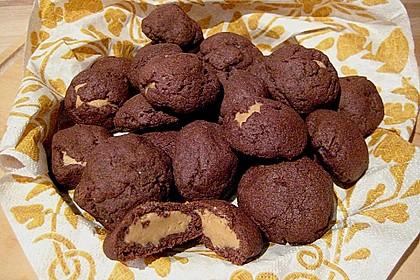 Schoko - Cookies mit Erdnussbutter - Füllung (Bild)