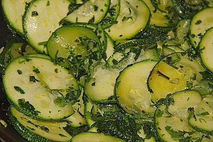 Zucchini mit Pilzaroma