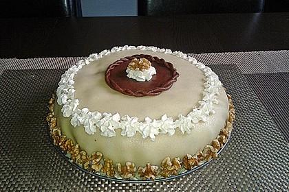 Walnuss - Marzipan - Torte 8