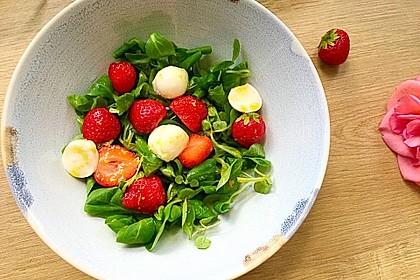 Rucola-Erdbeersalat mit Mozzarella 1