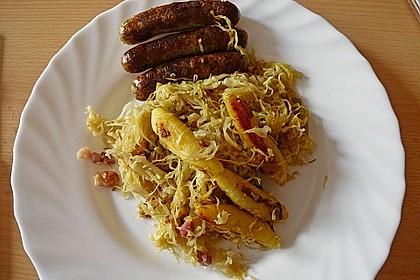 Schupfnudeln mit Sauerkraut und Speckwürfeln 20