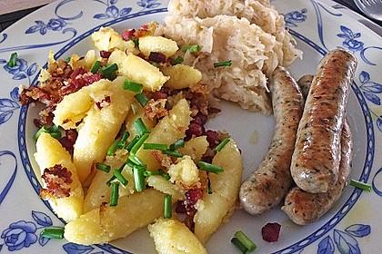 Schupfnudeln mit Sauerkraut und Speckwürfeln 19