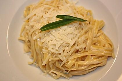 Spaghetti in cremiger Salbeisauce 1